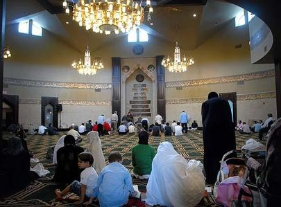 DEARBORN, MICHIGAN- June 27,2008- Muslims at prayer in the Islamic Center of America mosque; Dave Krieger / Getty Images